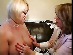 sexy lingerie : amatuer milf movies