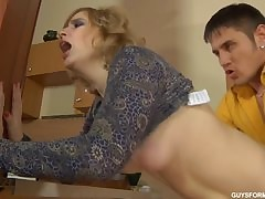 native american porn : mature shaved pussy
