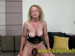 Double Penetration : mature pussy video
