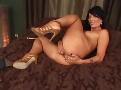 free Zoey Holloway : mature old pussy
