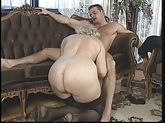 Group sex : tight mature pussy