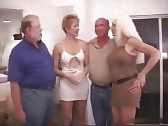 swinger porn : mature couple having sex