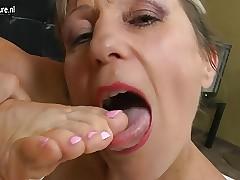 moms sexy legs : free milf porn movie