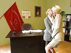 office porn : fucking mature pussy