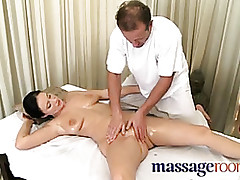 softcore tube : spread milf pussy