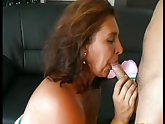 Sexy mom : mature amateur anal